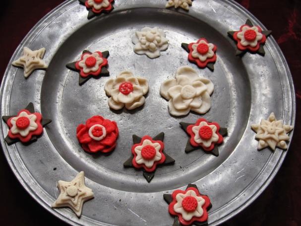 Plas Mawr Tudor Rose biscuits