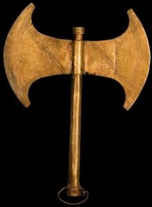 bronze-age-etruscan-double-sided-axe-from-etruscan-colony-knossos-crete